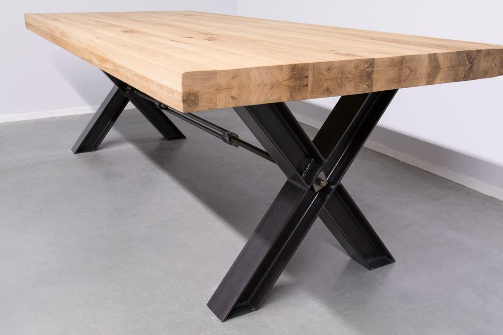 Industriële tafel met metalen X-poot profiel met Trekstang - Nieuw Eiken