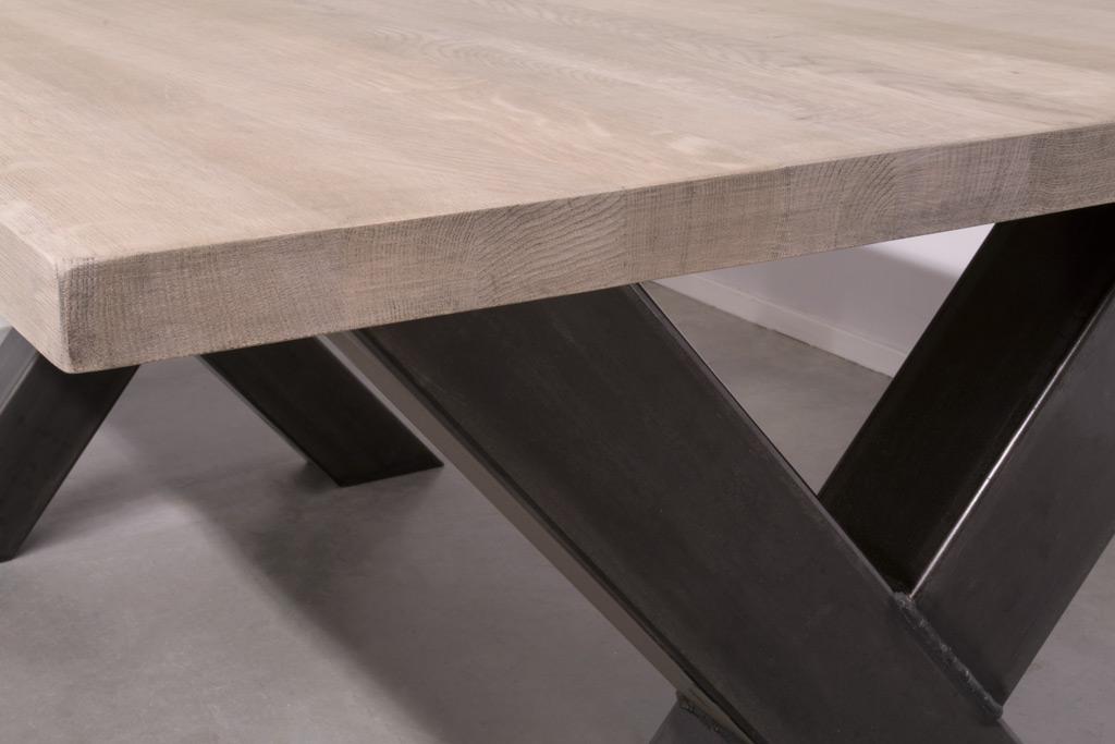 Industriële tafel met metalen X-poot - Nieuw eiken
