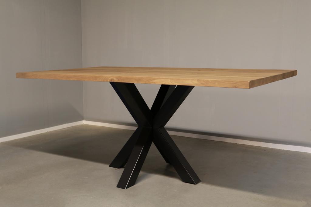 Industriële tafel met metalen Spinpoot - Boomstam eiken