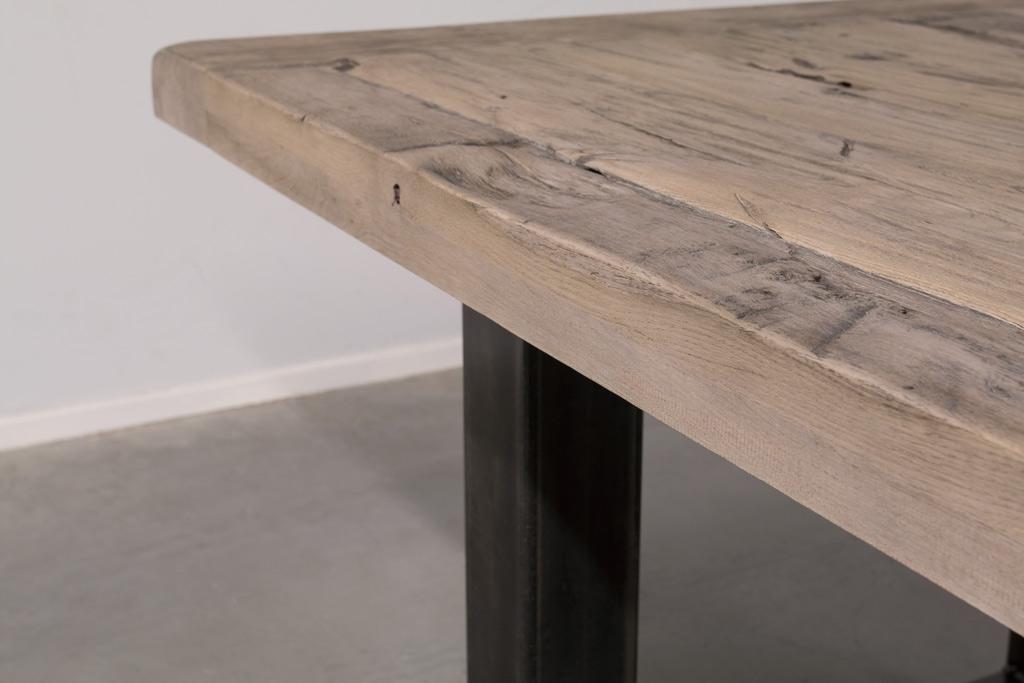 Industriële tafel met O-poot - Oud Eiken