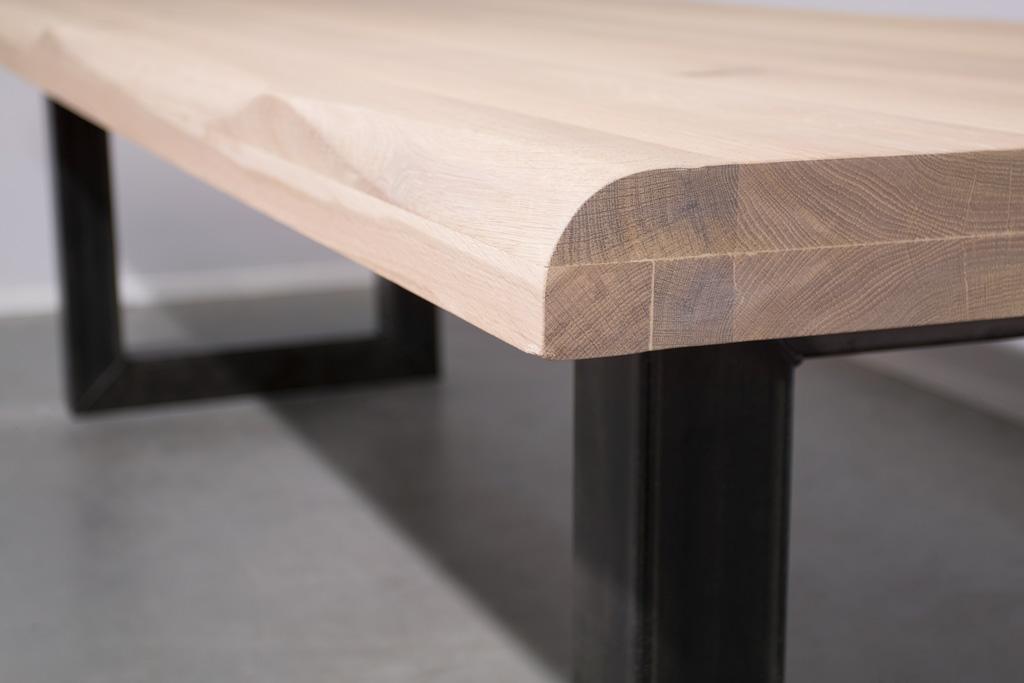 Industriële tafel met O-poot - Boomstam Eiken