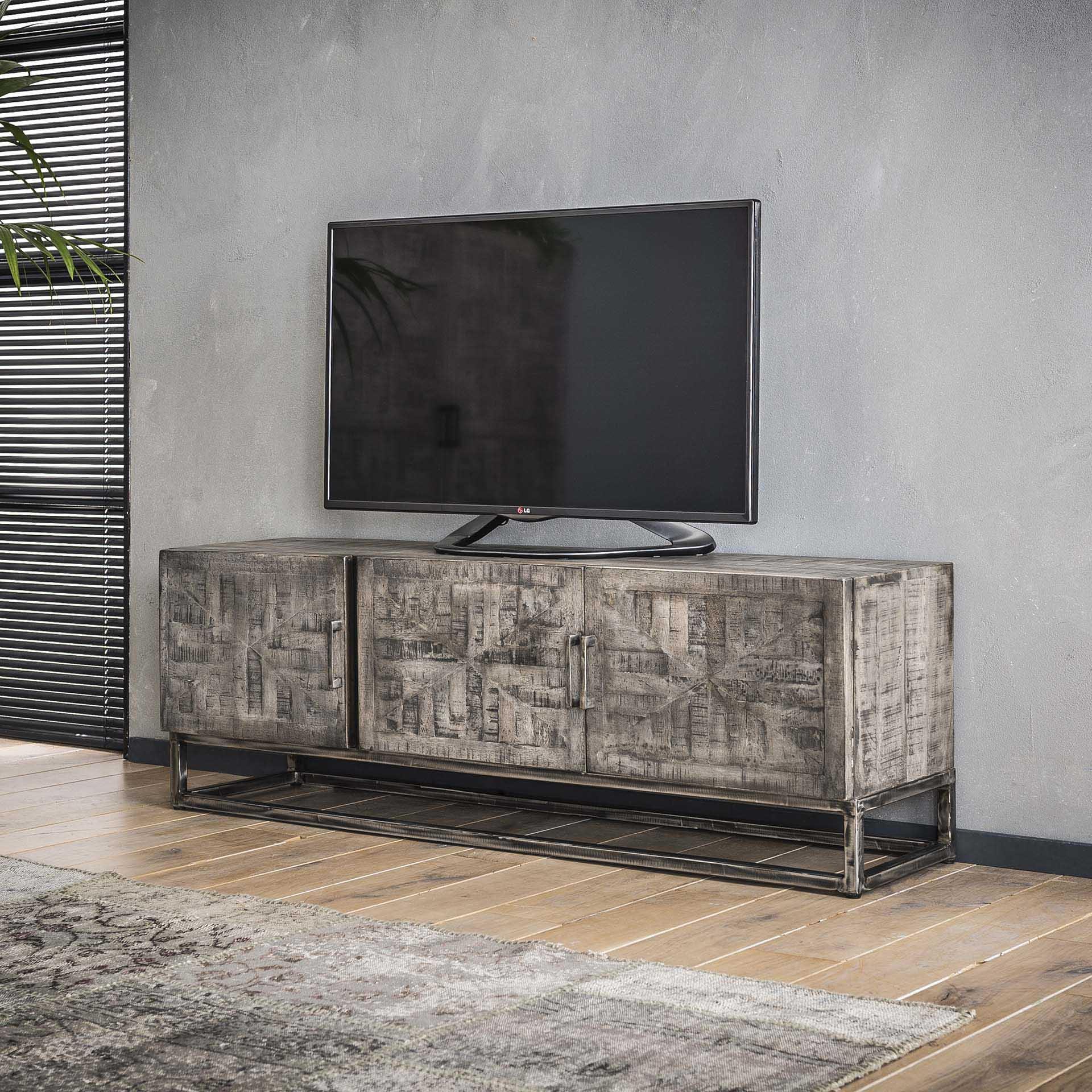 Industrieel tv meubel Grado | Mango hout | 3 deuren