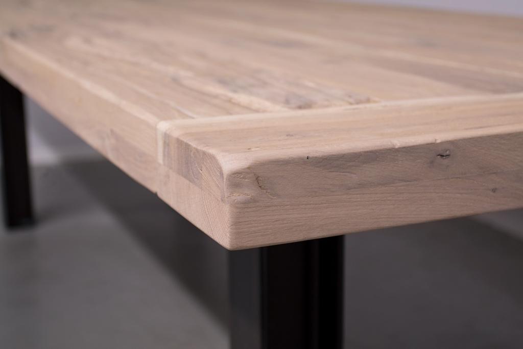 Industriële tafel met metalen N-Poot met profiel - Oud Eiken