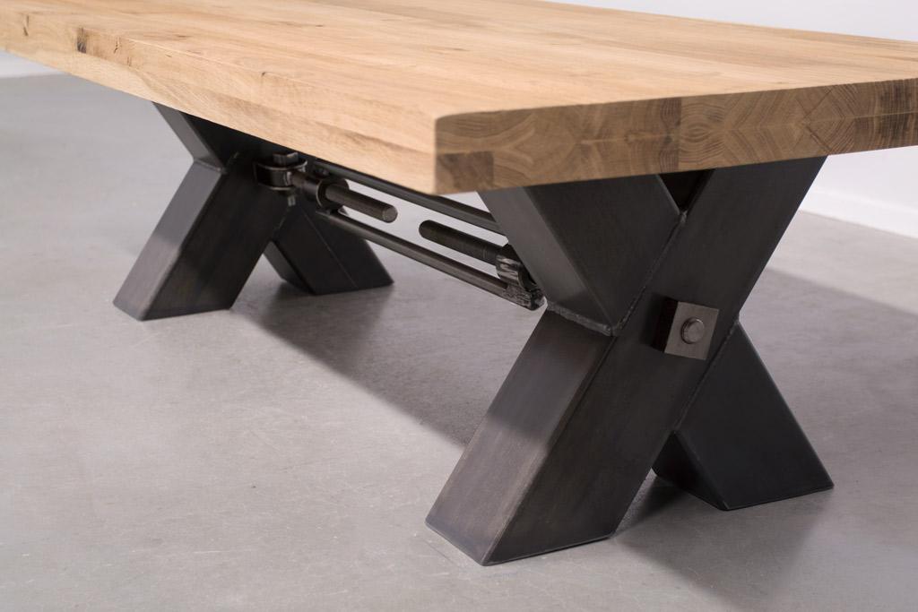 Industriële Salontafel Met Metalen X-Poot Met Trekstang - Robuust Eiken