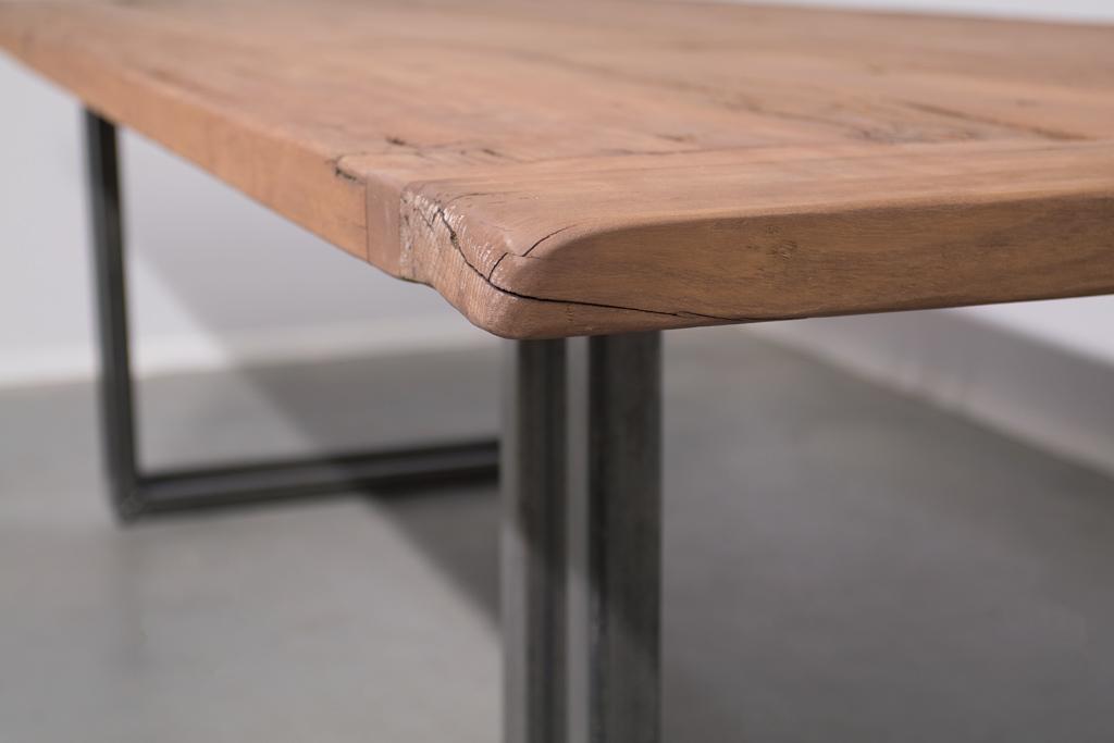 Industriële tafel met metalen U-poot open - Oud Eiken