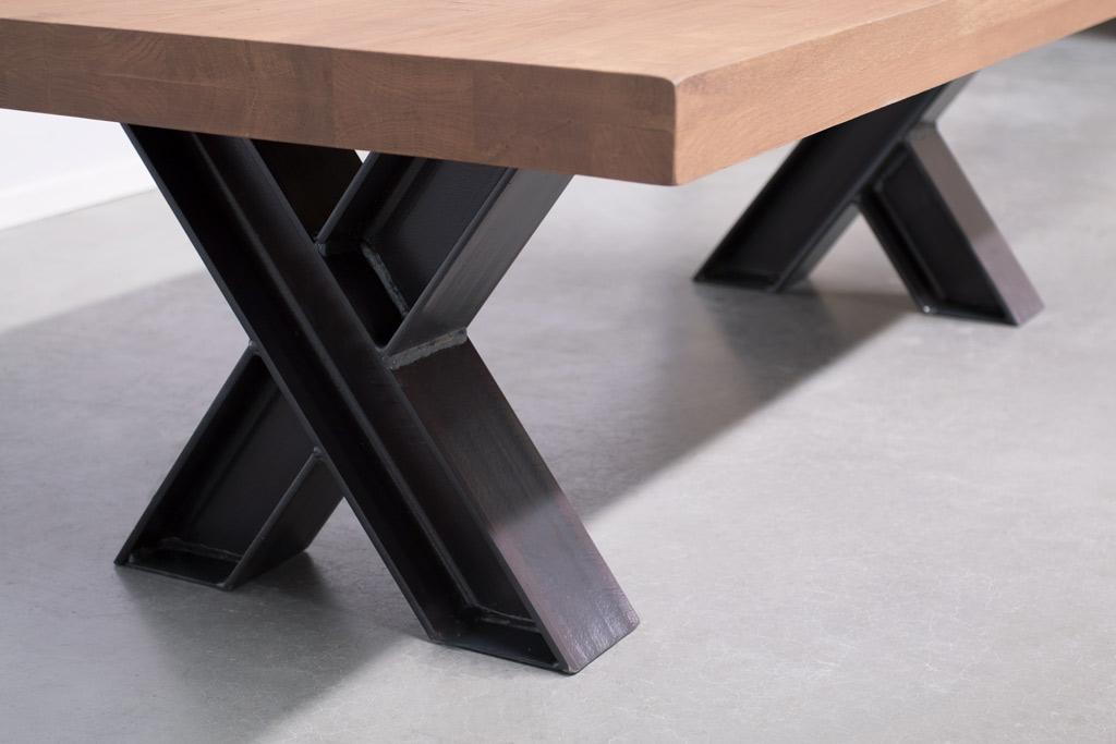 Industriële Salontafel Met Metalen X-Poot Profiel - Nieuw Eiken