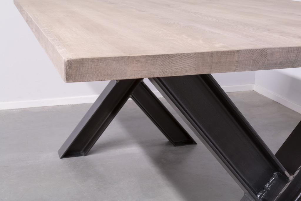 Industriële tafel met metalen X-poot profiel - Nieuw Eiken - Art. 311