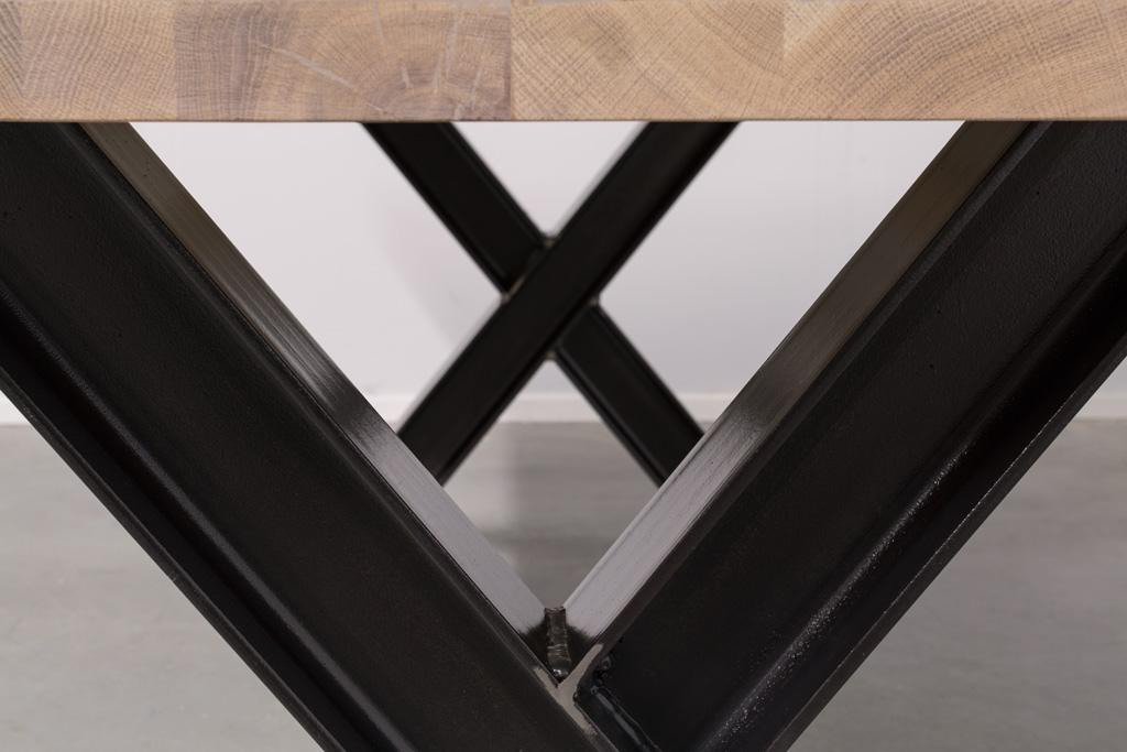 Industriële tafel met metalen X-poot profiel - Robuust Eiken - Art. 311