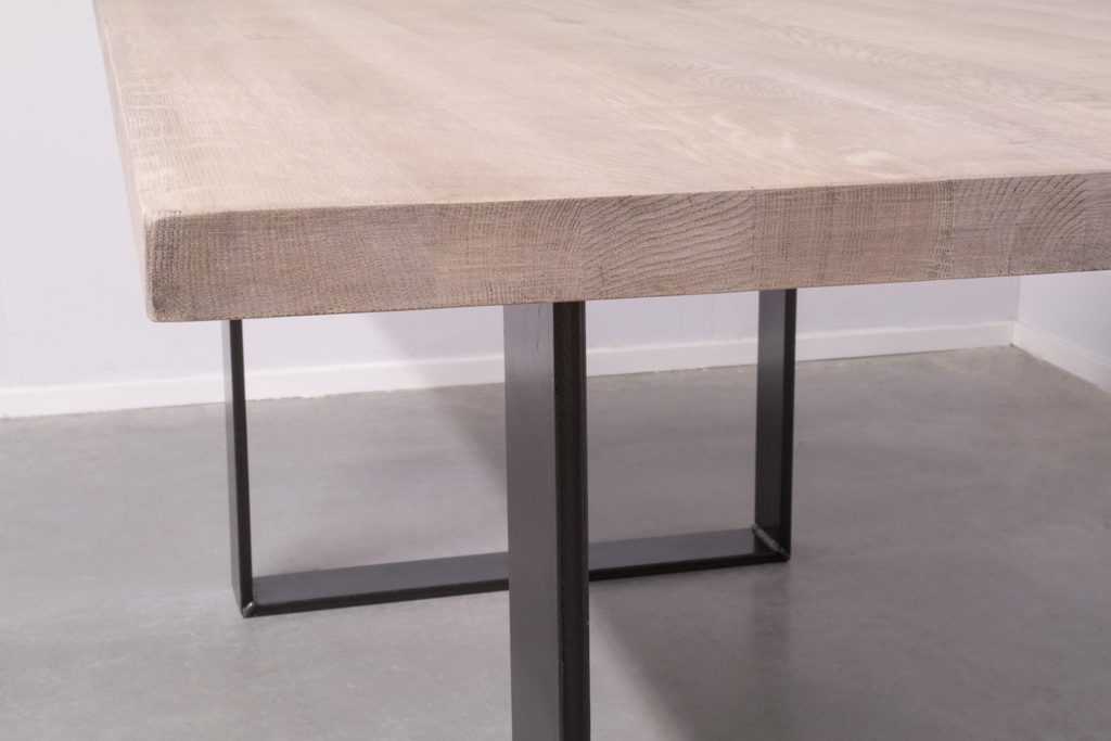 Industriële tafel met U-poot smal - Nieuw eiken