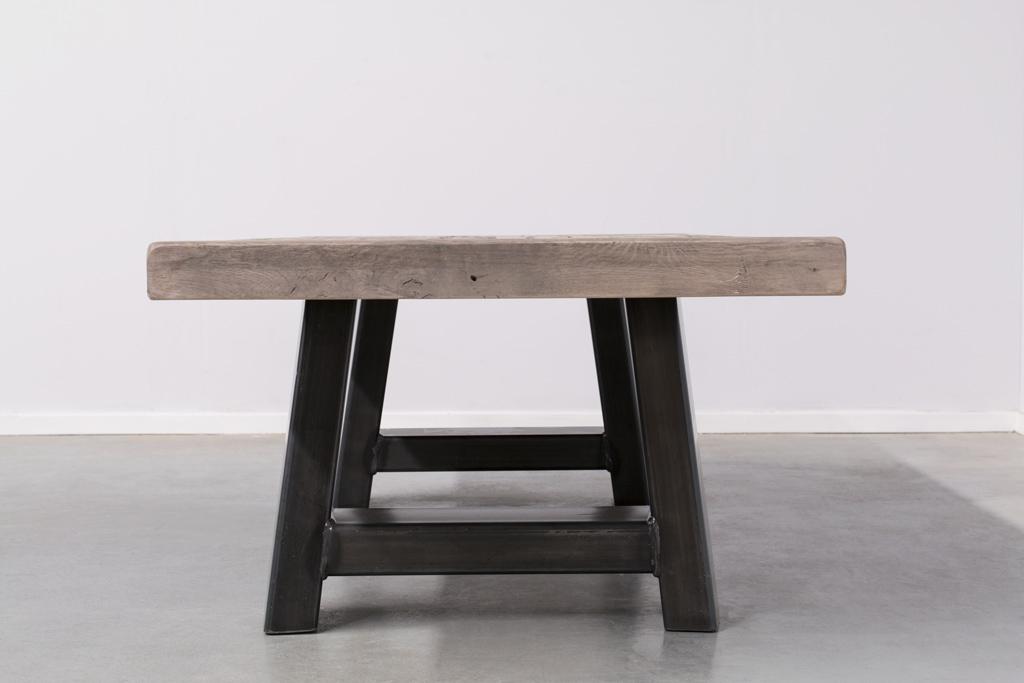 Industriële salontafel Met A-Poot - Oud Eiken