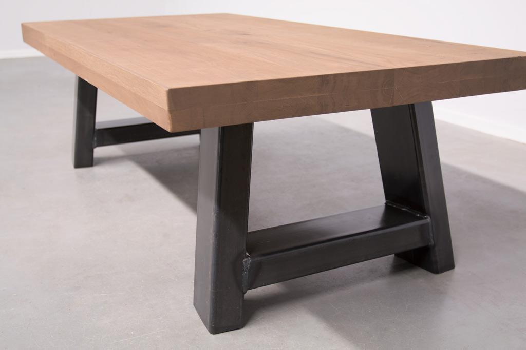Industriële salontafel Met A-Poot - Nieuw Eiken