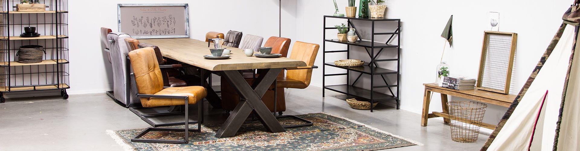 Tips voor vinden van industriële tafel / stoere houten tafel