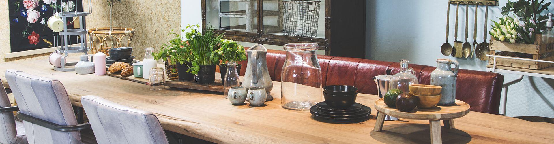 Natuurlijke materialen in je interieur: woontrends 2020